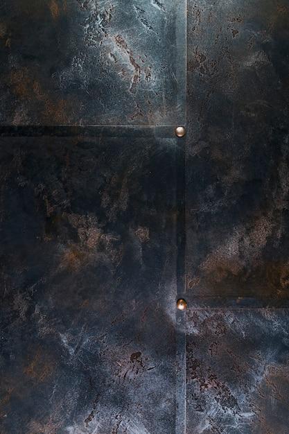 리벳 및 표면 녹이있는 금속 구조 무료 사진