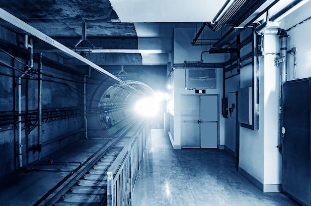 Метро туннель Premium Фотографии