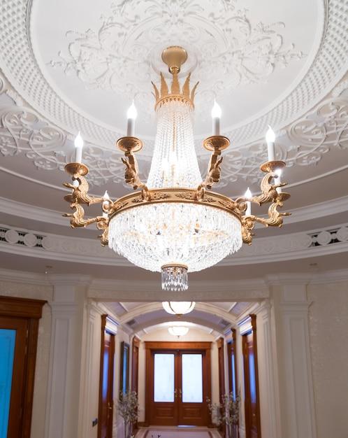 ヤヌコビッチのメスィヒリャー邸 Premium写真