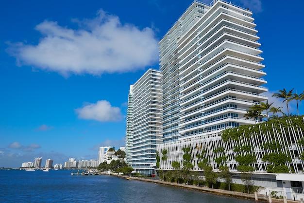 Miami beach from macarthur causeway florida Premium Photo