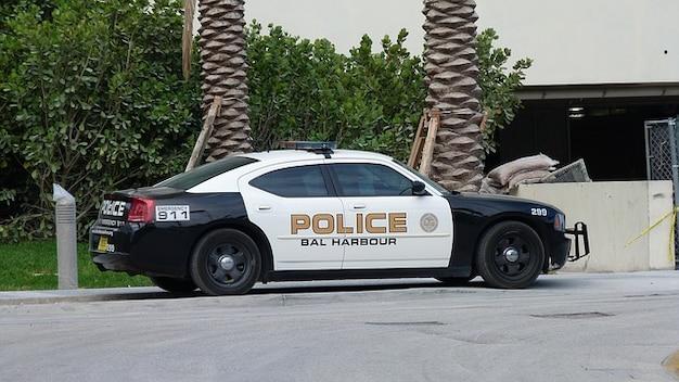 Miami police florida auto road park Free Photo