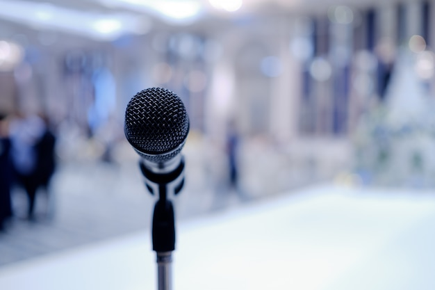 Microphone on stage, speaker, conference Premium Photo