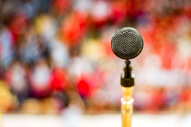 Microphone with blurred background Free Photo
