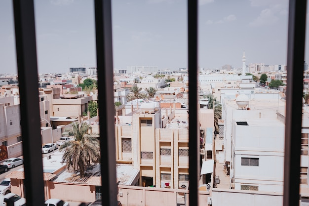 の 窓 中東