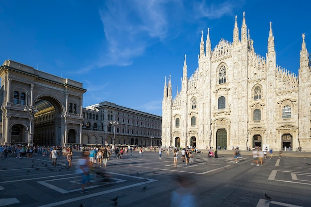 Duomo di milano, duomo e galleria vittorio emanuele ii in piazza del duomo. lombardia, italia Foto Gratuite