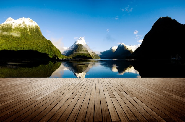 Milford sound new zealand travel destination concept Free Photo