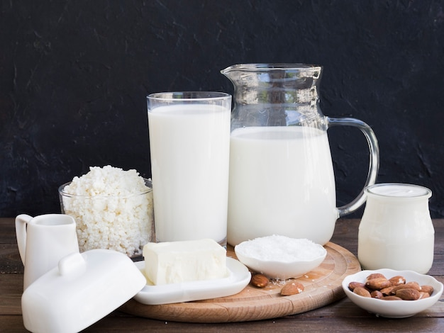 Milk, cottage cheese and dairy products Premium Photo