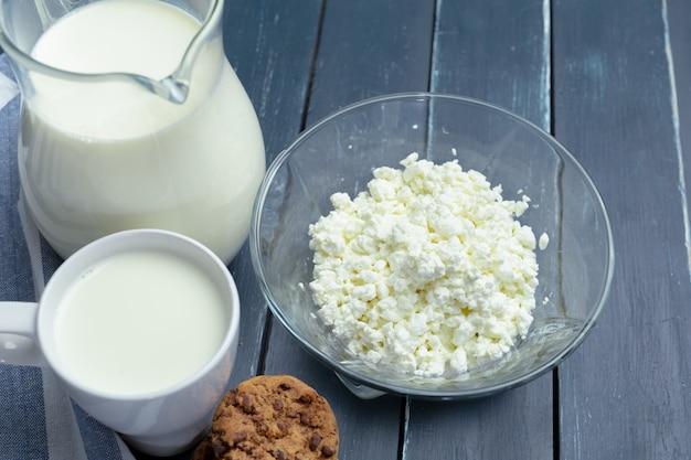 Milk,  cottage cheese Premium Photo