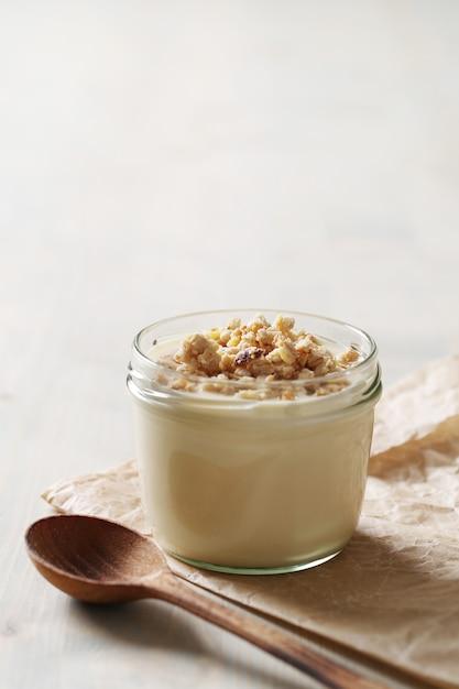 Молочные продукты на деревянном столе Бесплатные Фотографии