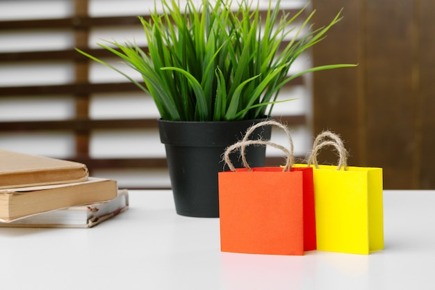 Miniature shopping bags Premium Photo