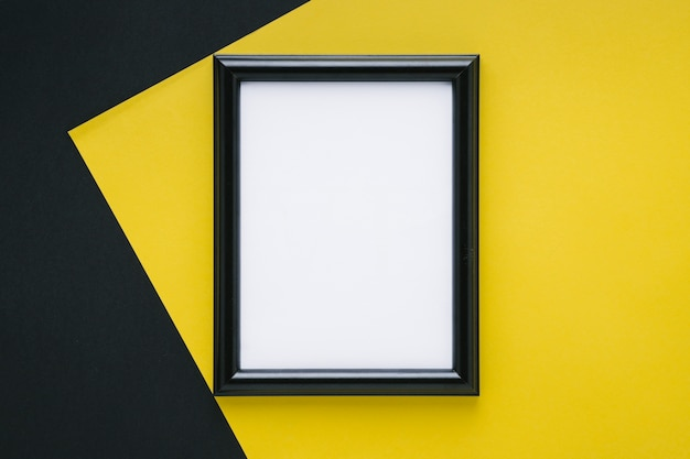 Minimalist black frame with empty space Free Photo