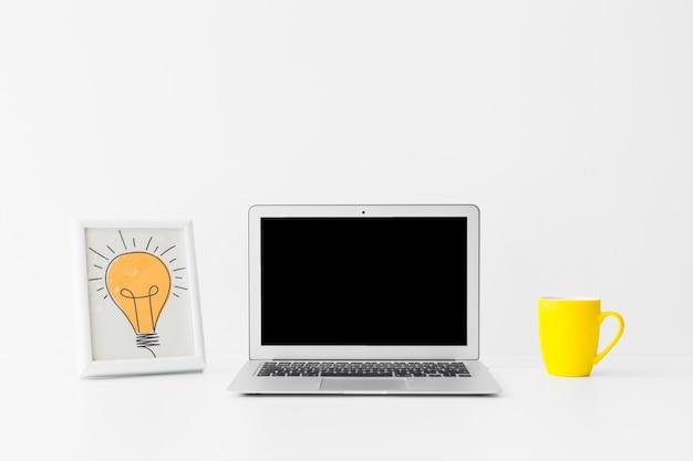 Minimalisticworkspace for great ideas Free Photo
