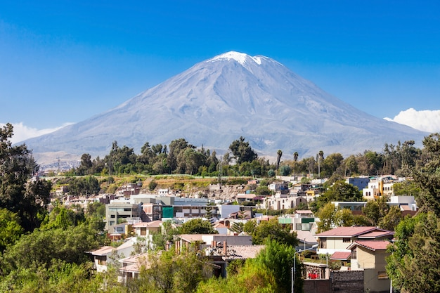 Misti volcano in arequipa in peru Premium Photo
