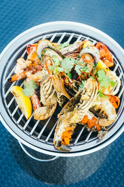 Mixed grilled seafood Free Photo
