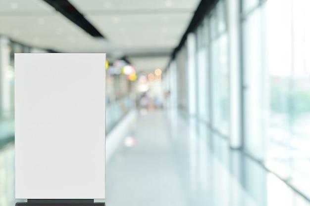 홀 방식의 포스터 빌보드 스탠드 사인 또는 판매 프로모션 광고를위한 로비 모의 프리미엄 사진