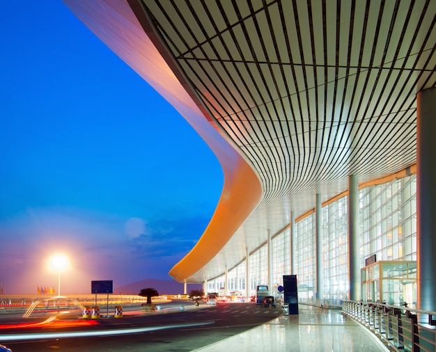 Modern architecture at night Premium Photo