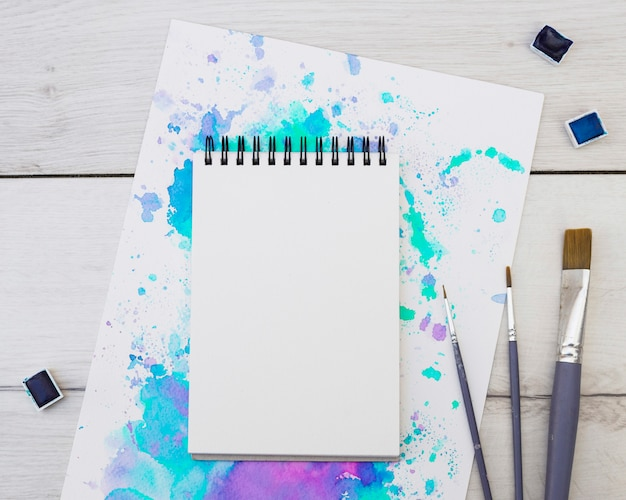 Modern artist concept with template Free Photo