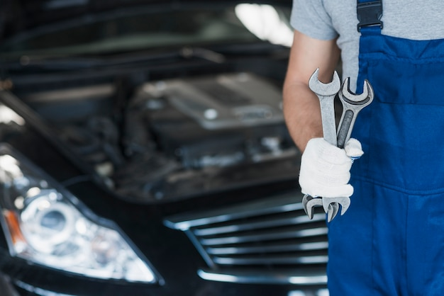 Modern automobile mechanic composition Free Photo