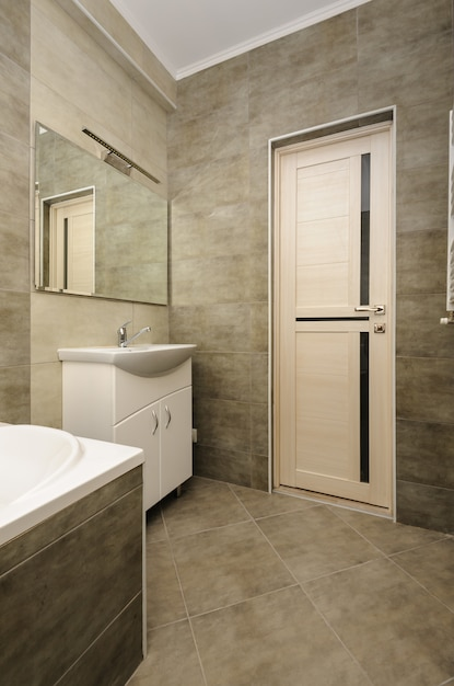 Modern bathroom interior Premium Photo