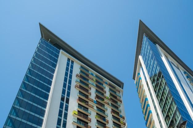 ジョージア州アジャラの首都バトゥミにあるモダンな建物 Premium写真