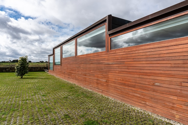 Modern building with wood cladding Premium Photo