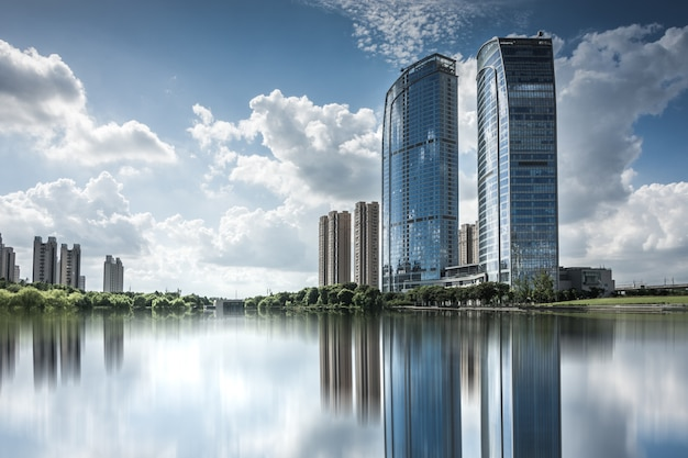 Modern business building by the small lake Premium Photo