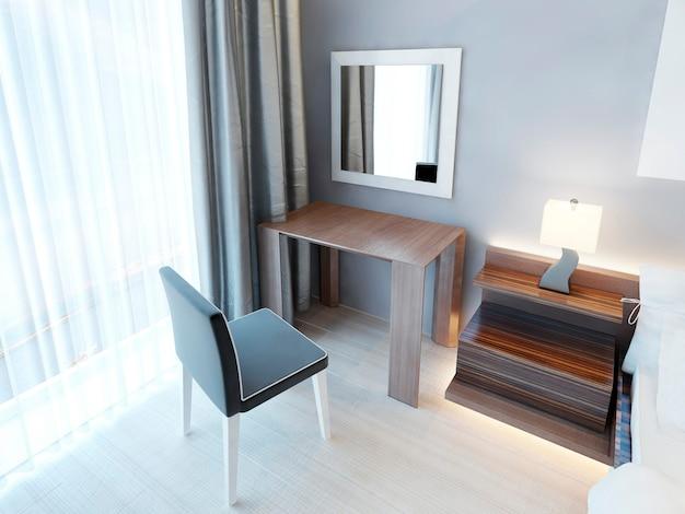 의자와 거울이있는 현대적인 화장대, 램프가있는 침대 옆 탁자. 광택 마감 처리 된 갈색 목재 가구가있는 침실. 3d 렌더링. 프리미엄 사진