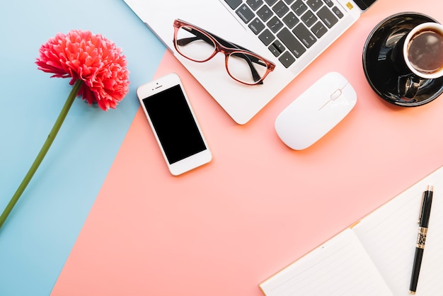 Modern office desk composition with technological device Free Photo