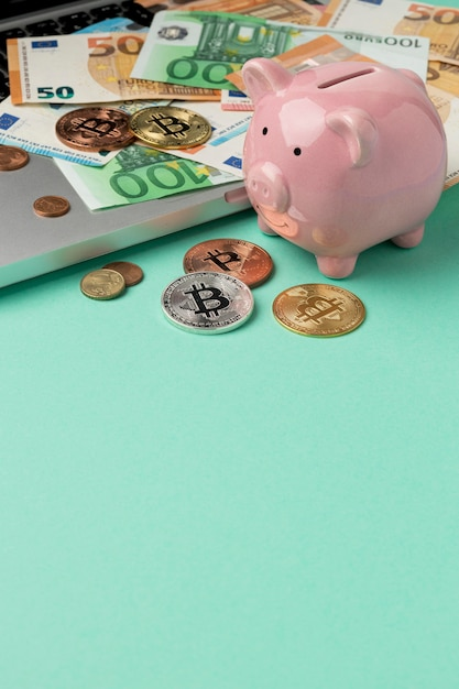 Money with piggy bank arrangement Free Photo