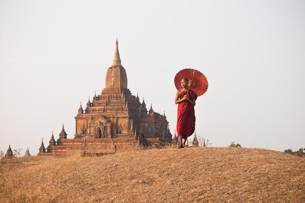 Monk of bagan myanmar Premium Photo