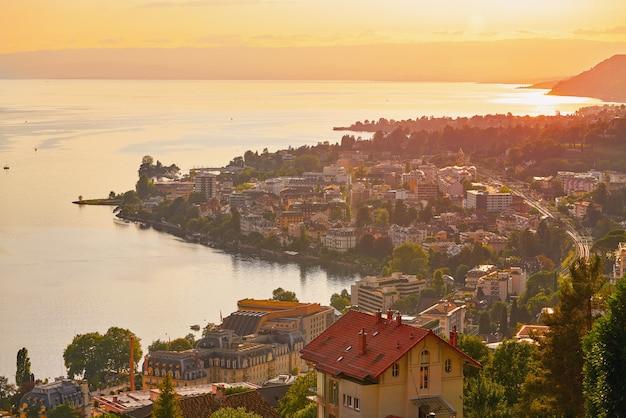 Montreux sunset skyline in leman geneva swiss Premium Photo