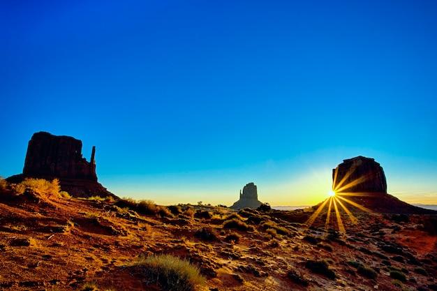 Племенной парк долины монументов на рассвете, аризона Бесплатные Фотографии