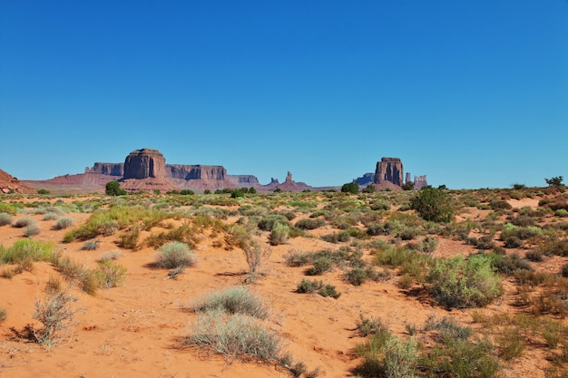 Monument valley in utah and arizona Premium Photo