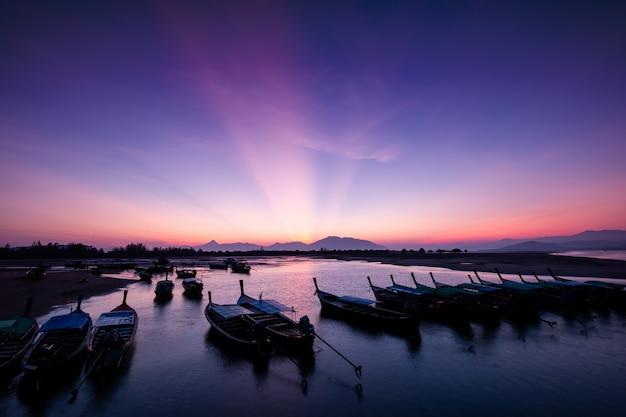 Morning light over the bay Premium Photo