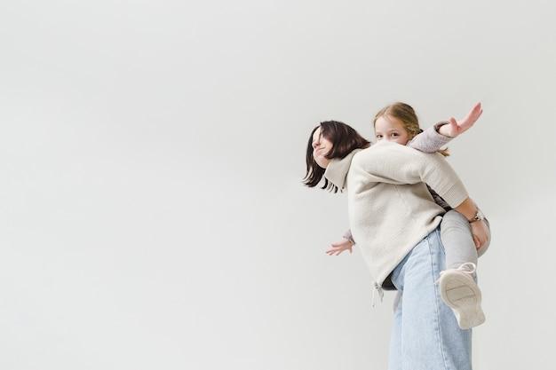 Мать дает контрейлерных ездить Бесплатные Фотографии
