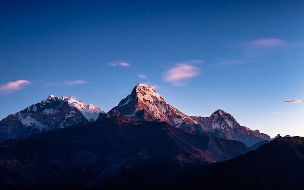 Mount annapurna south range from poonhill, nepal. Premium Photo