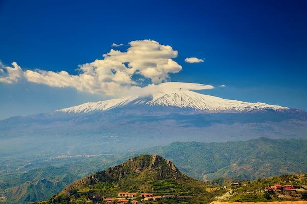 Гора этна, сицилия Premium Фотографии