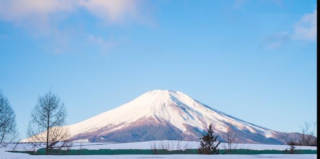 Mount fuji, fujiyama top beautiful snow could for japan beautiful landscape highest point Premium Photo