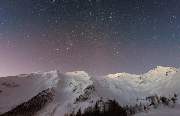 Горный снег под звездой Бесплатные Фотографии