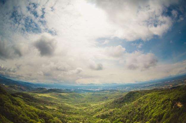 ジョージア州の山の風景 無料写真