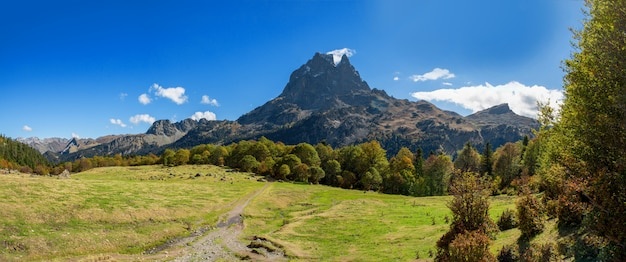 Mountain of pic du midi ossau  in autumn, france, pyrenees Premium Photo