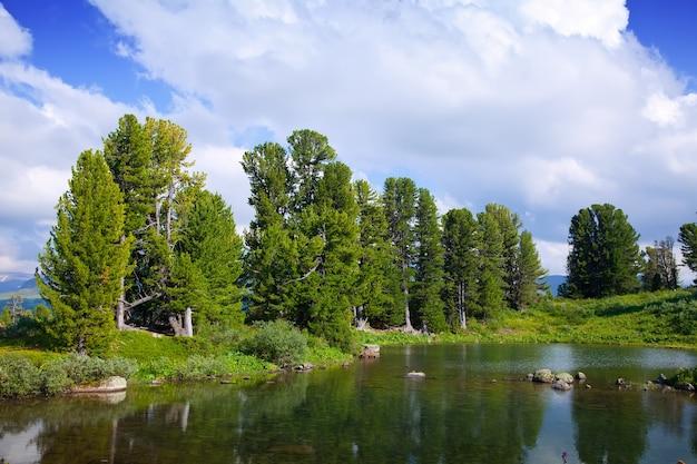 Mountains lake Free Photo