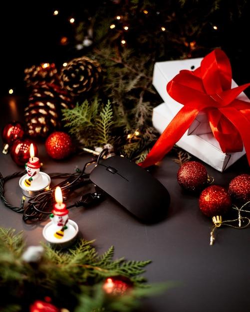 Мышь для пк и новогодние игрушки Бесплатные Фотографии
