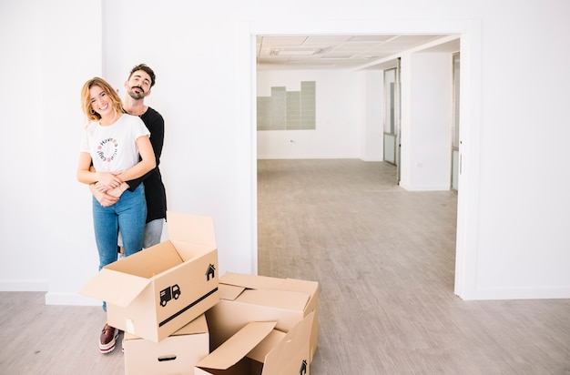 Moving scene with couple Premium Photo