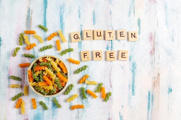 Fusilli vegetali multicolori senza glutine. Foto Gratuite