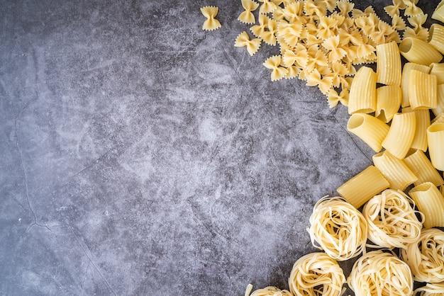 Molteplici tipi di cornici per pasta Foto Gratuite