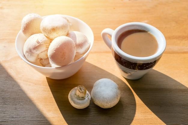 Mushroom coffee superfood trend Premium Photo