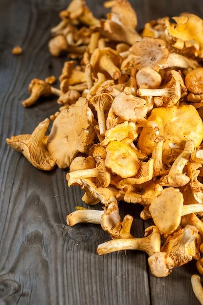Mushrooms on wooden table Premium Photo