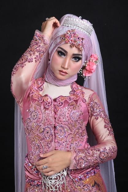 Muslim make up and fashion wedding Premium Photo