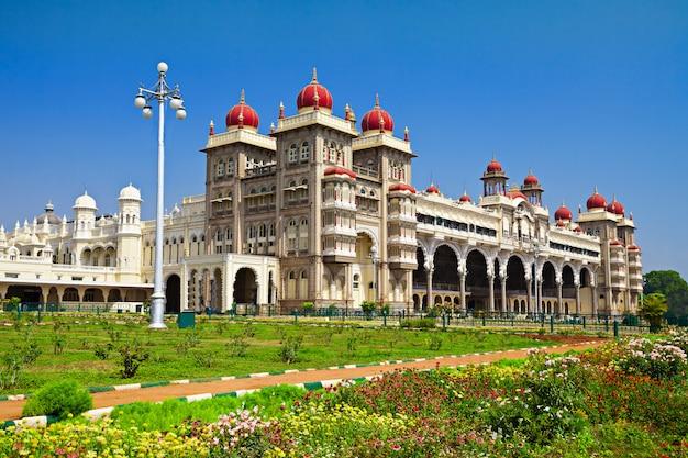 Mysore palace in india landscape Premium Photo